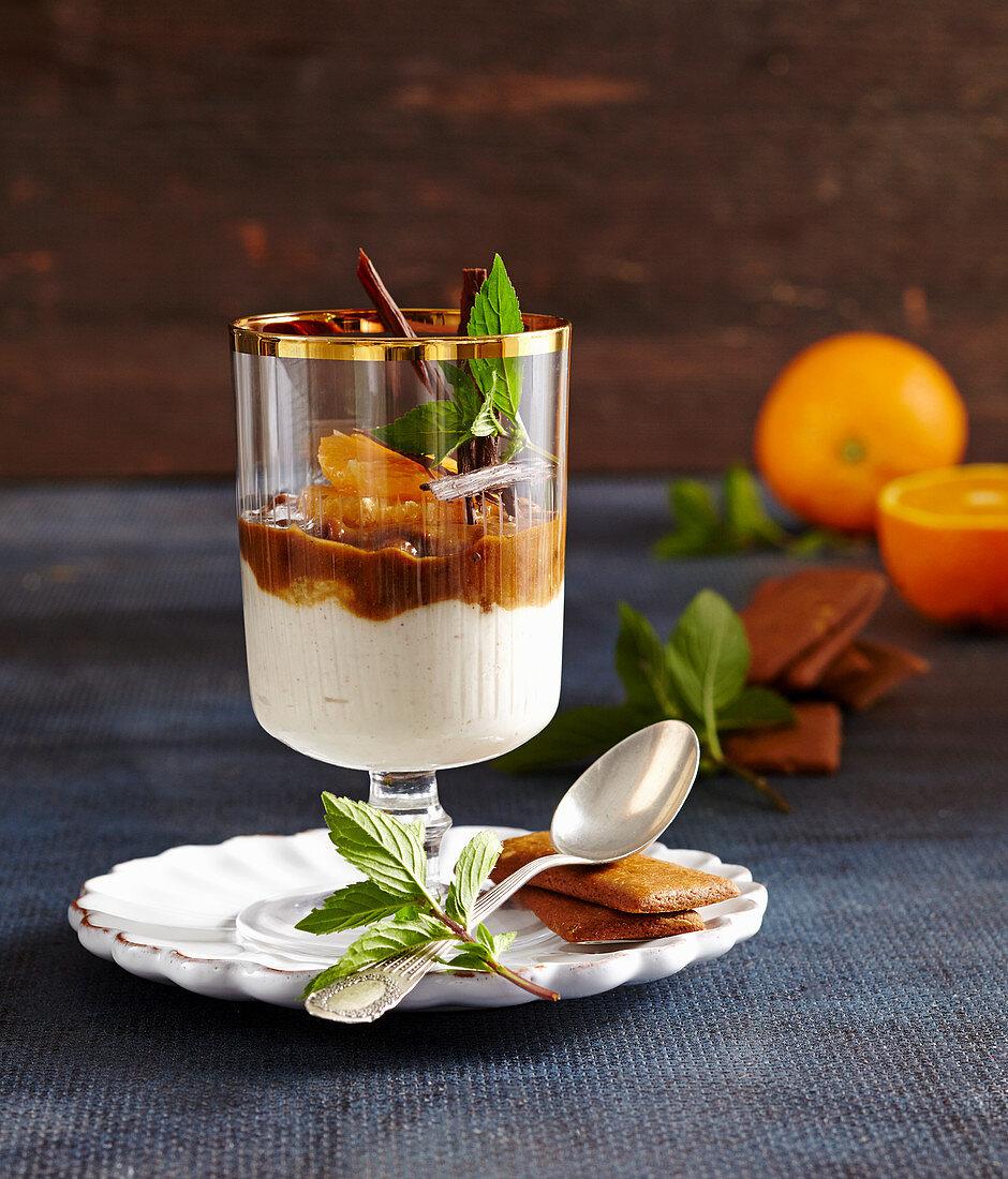Mandarin and biscuit cream dessert