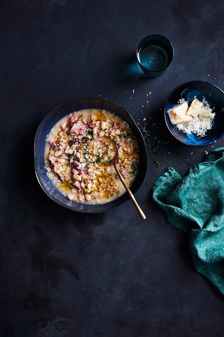Farro, white bean and smoked ham soup