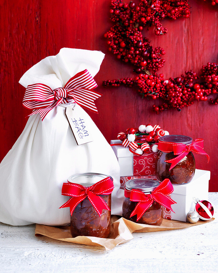 Christmas chutney and leg of ham (Homemade gift)