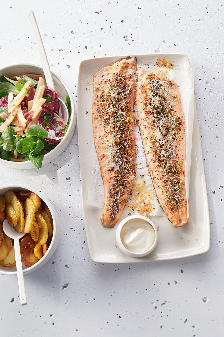 Salmon fillets with spices and lemon zest