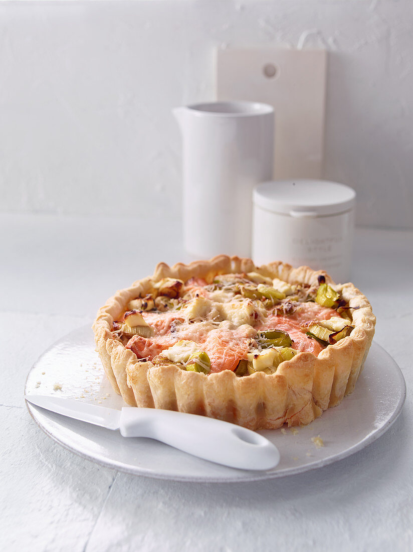 Roasted pepper and horseradish tart