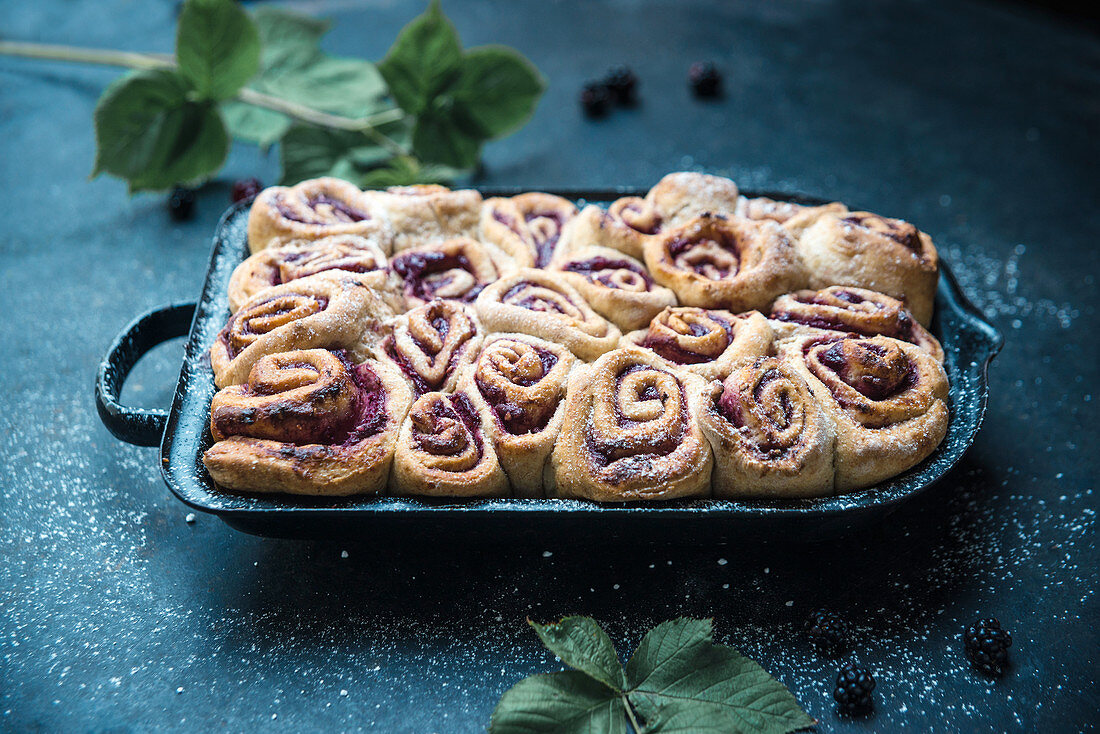Vegan yeast snails filled with blackberries and soya quark