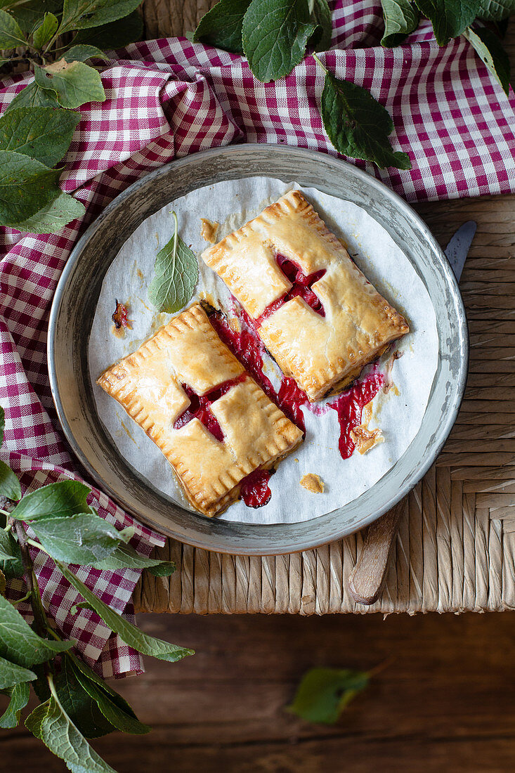 Redcurrant Hand Pies