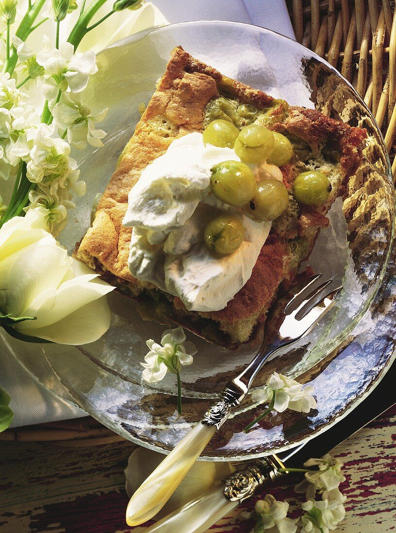 Gooseberry slice with advocaat and whipped cream