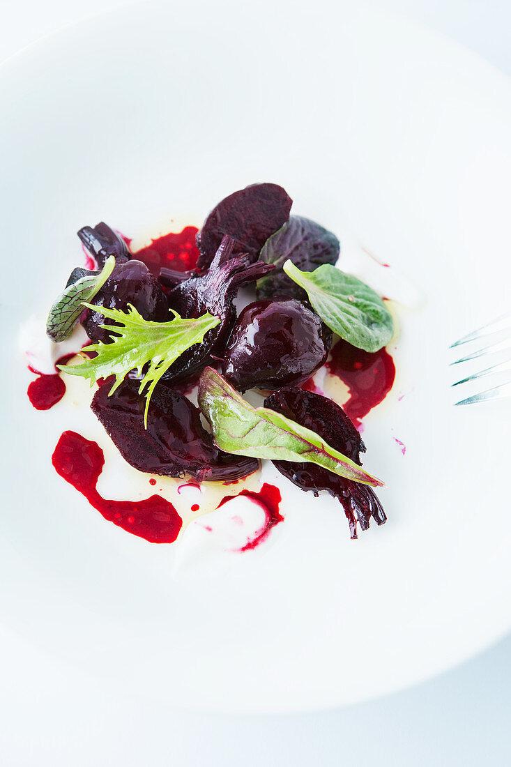 Beetroot salad with horseradish and wine vinegar