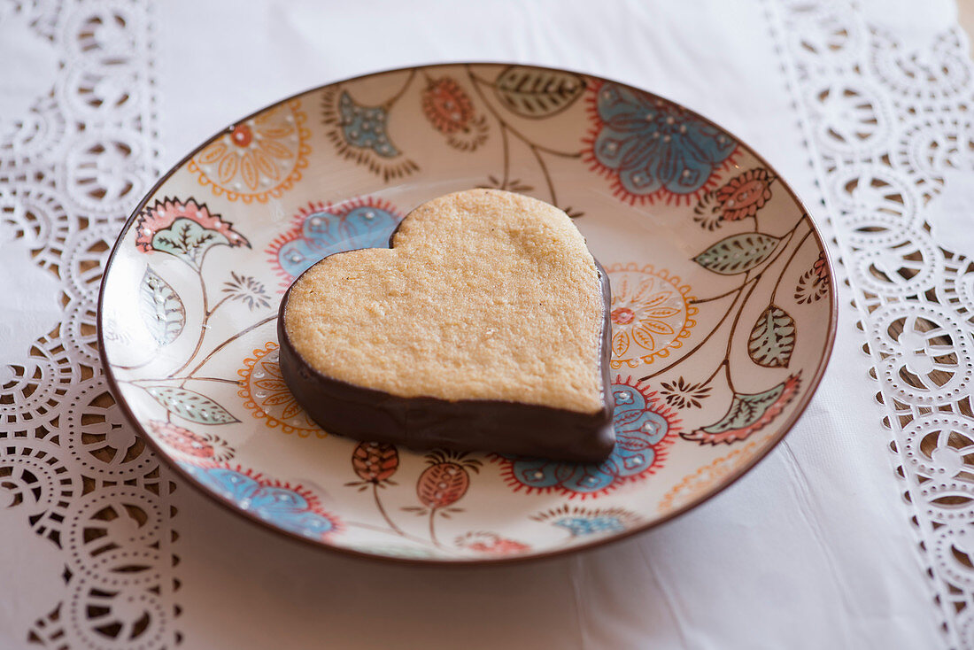 A spelt heart with chocolate