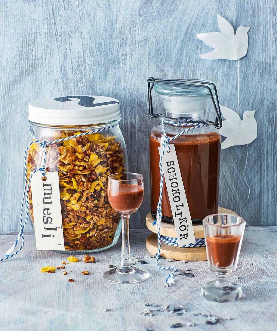 Homemade advent muesli and chocolate liquor for gifting