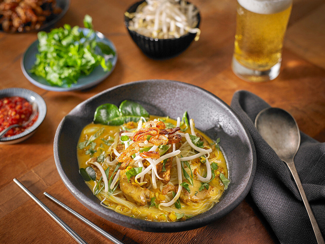 Coconut Curry Noodle Soup with Vietnamese Curry Powder