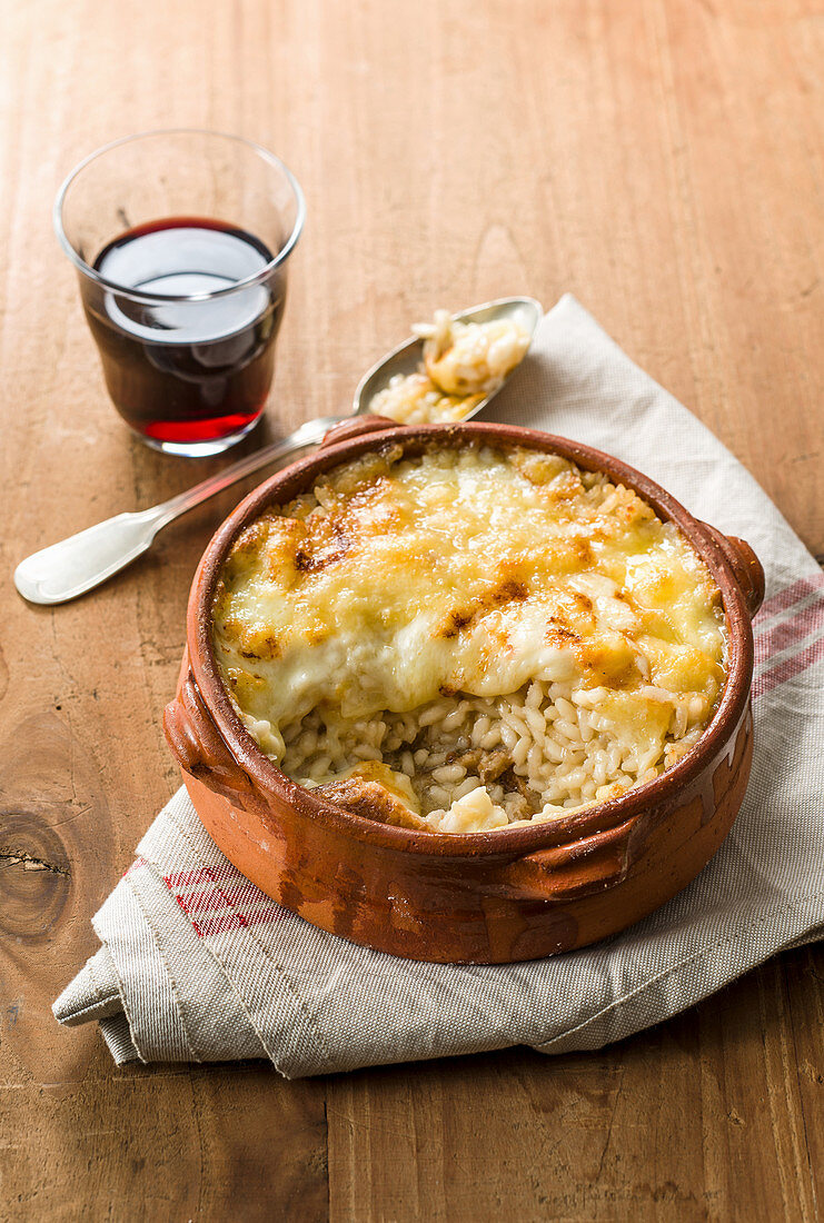 Zuppetta di Cogne (wholemeal risotto bake with Fontina cheese, Italy)