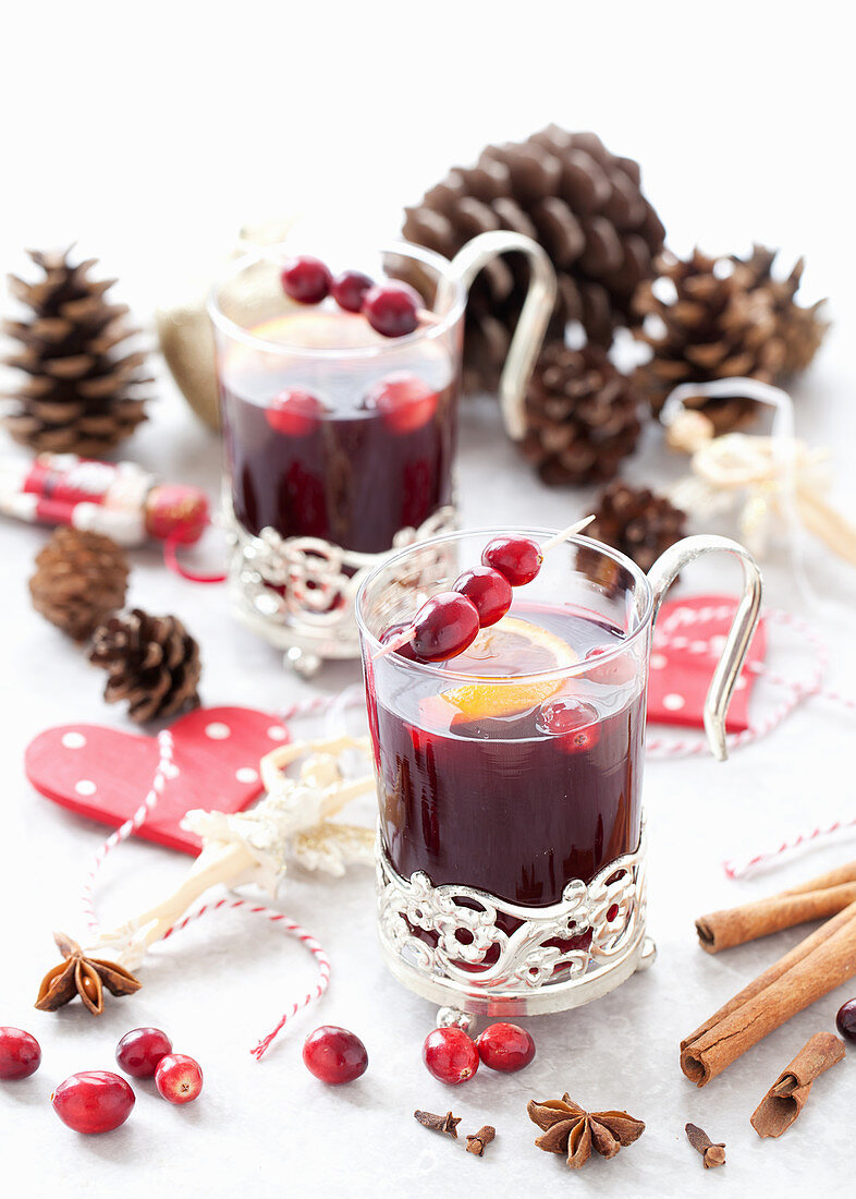 Non-alcoholic fruit punch with spices and cranberries (Christmas)