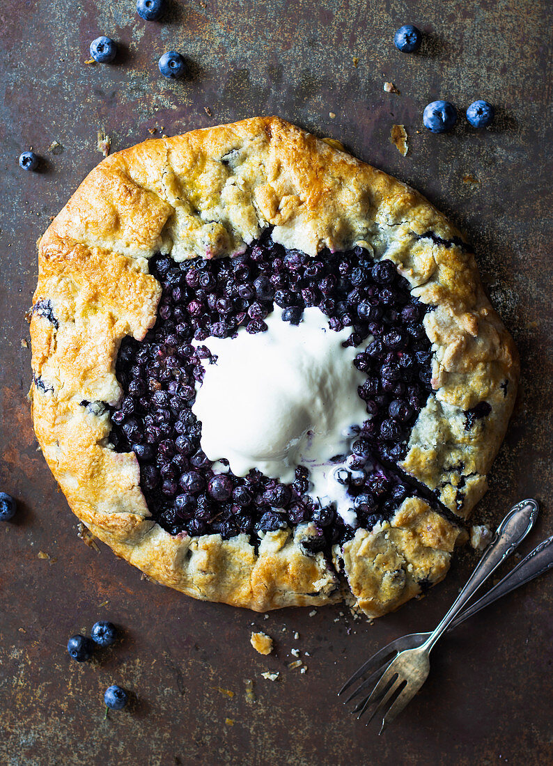Blueberry gallette with ice cream