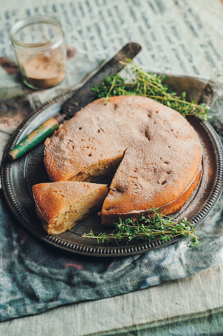 Caramelized apple cake