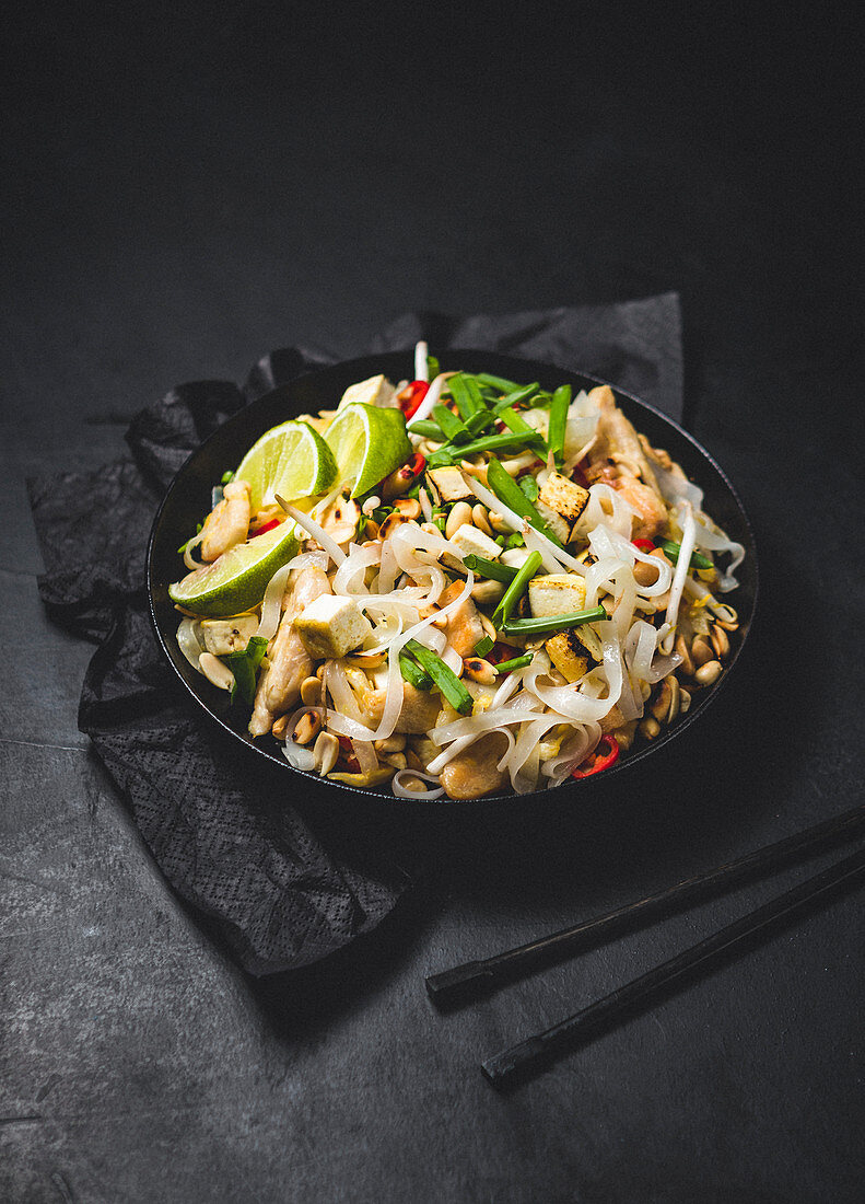 Rice noodle salad with tofu and peanuts (Asia)