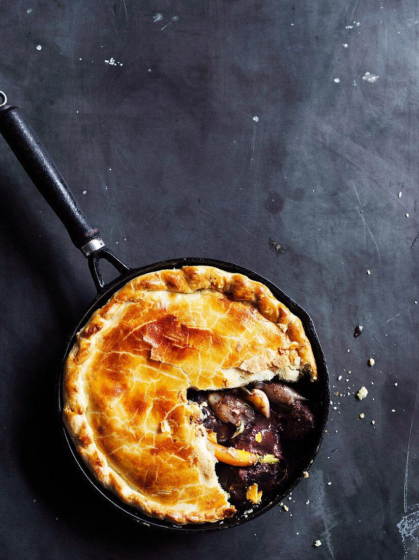 Beef and vegetable pot pie (One pot wonder)