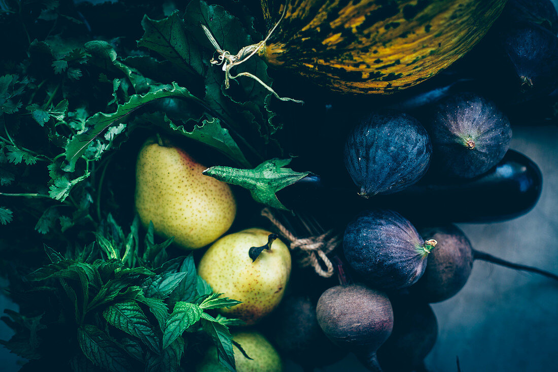 Autumnal fruit and vegetables