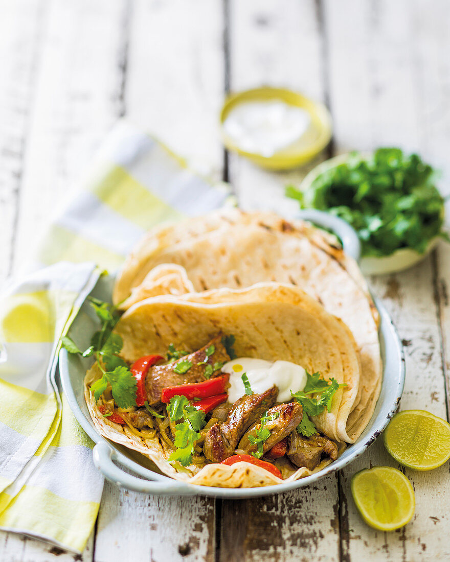 Fajitas with sirloin strips and red pepper