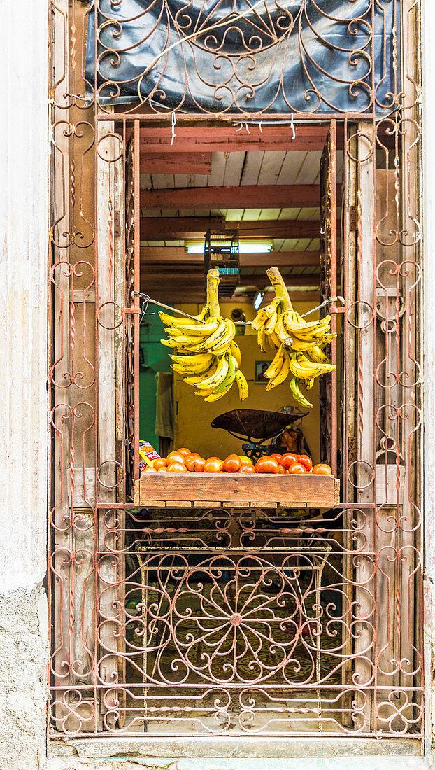 A local store selling fruit in Havana (Cuba)