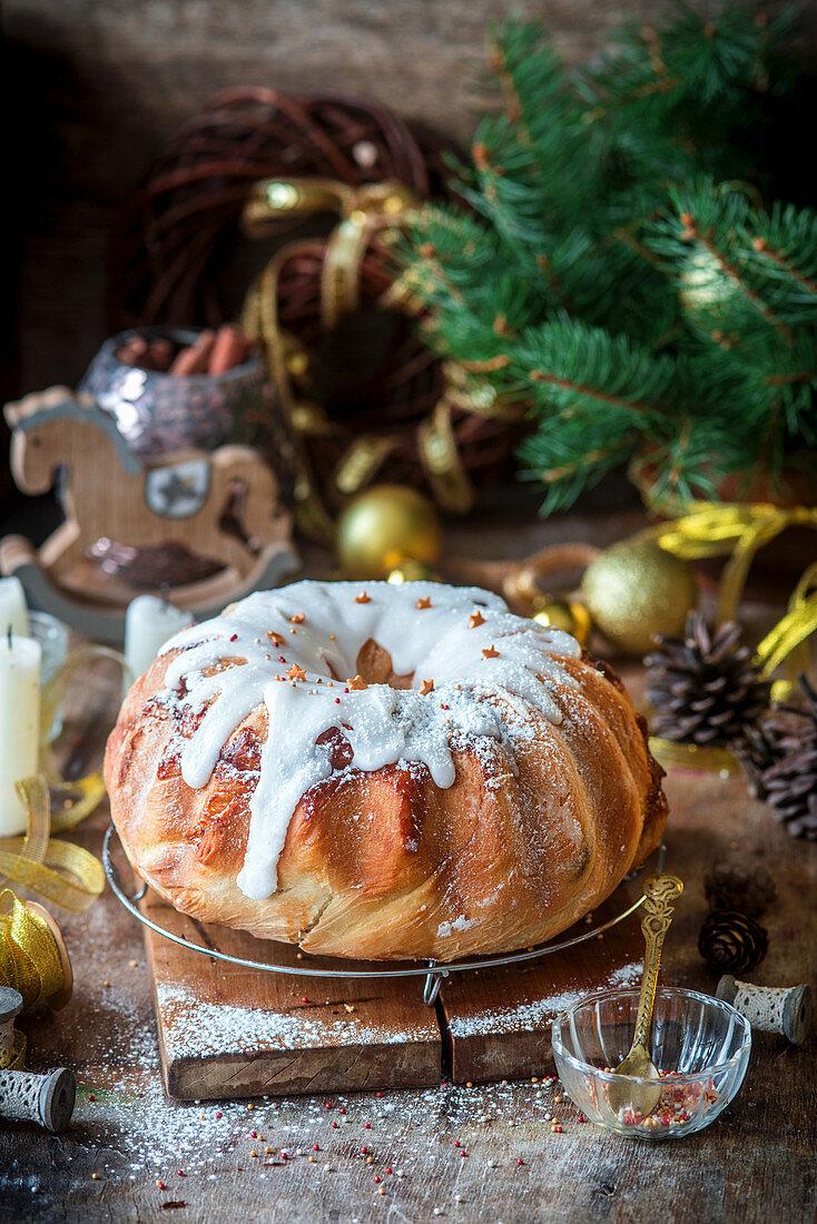 Christmas yeast cake