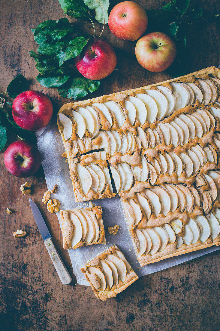 Apple walnut tart