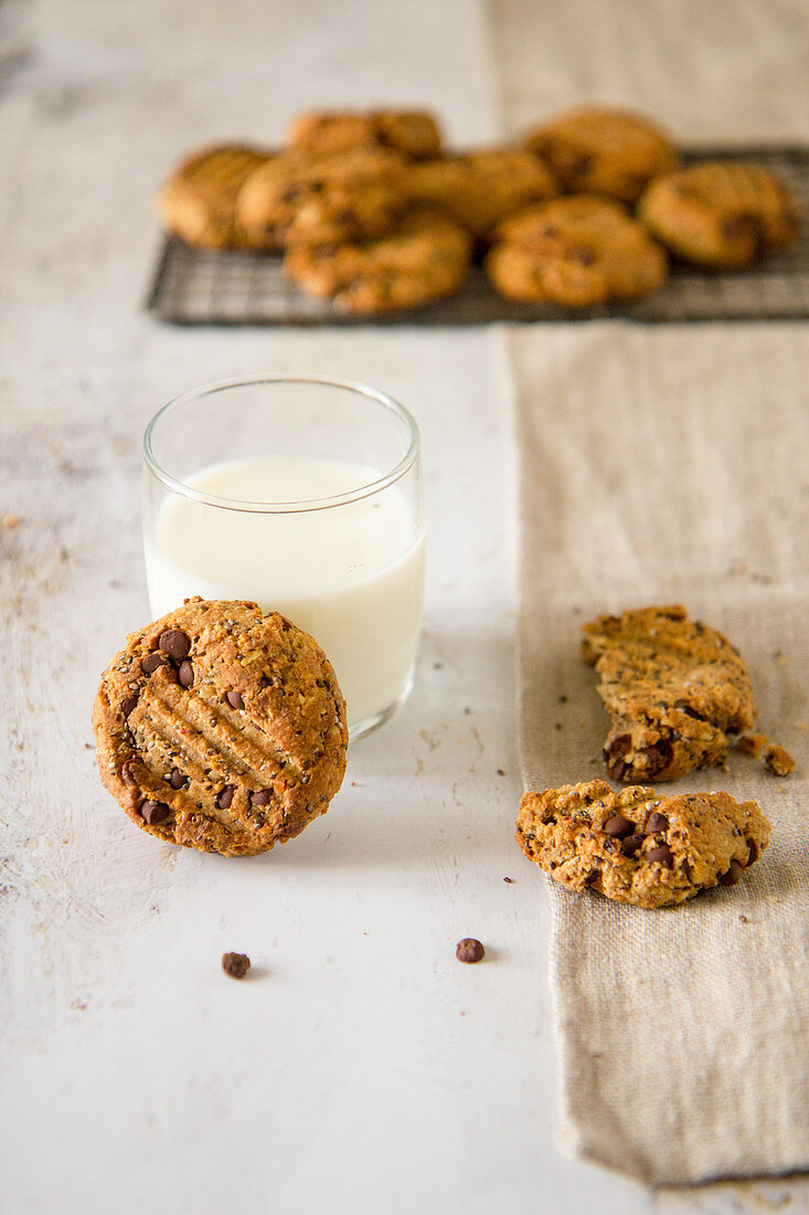 Chocolate chip cookies with dates and peanut butter