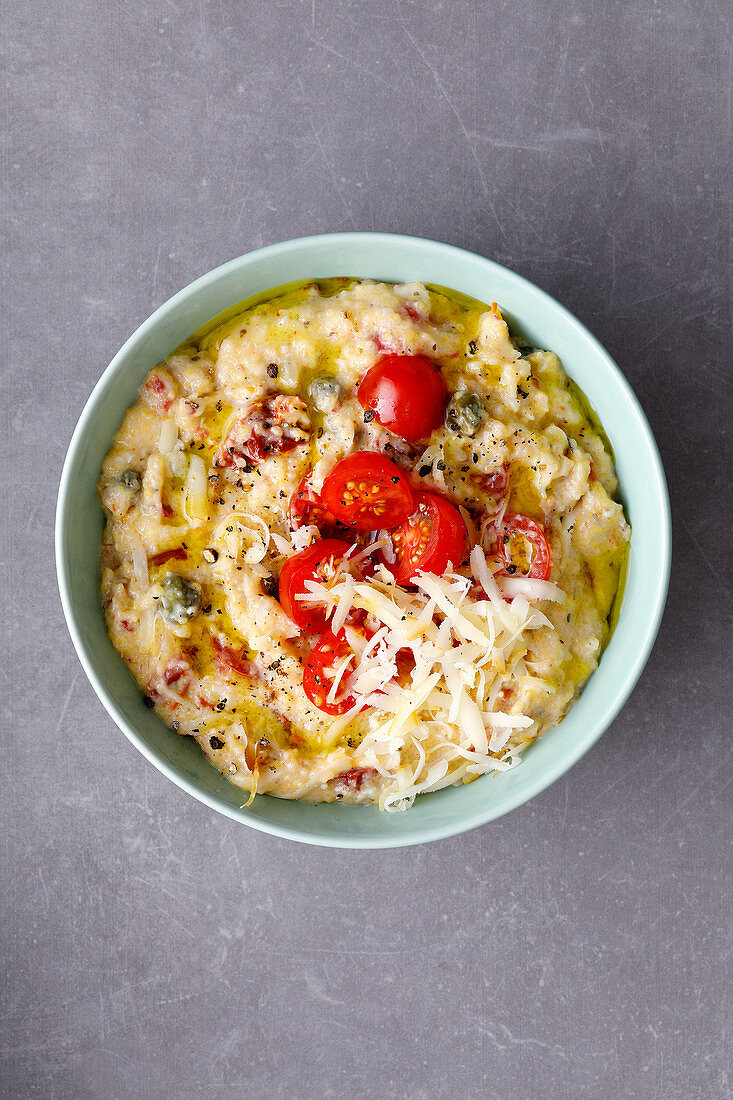 Quick tomato polenta with scamorza