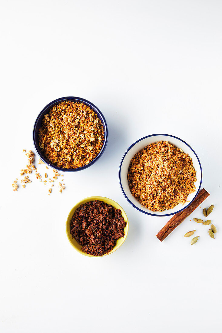 Honey granola, chai spice and chocolate crumble