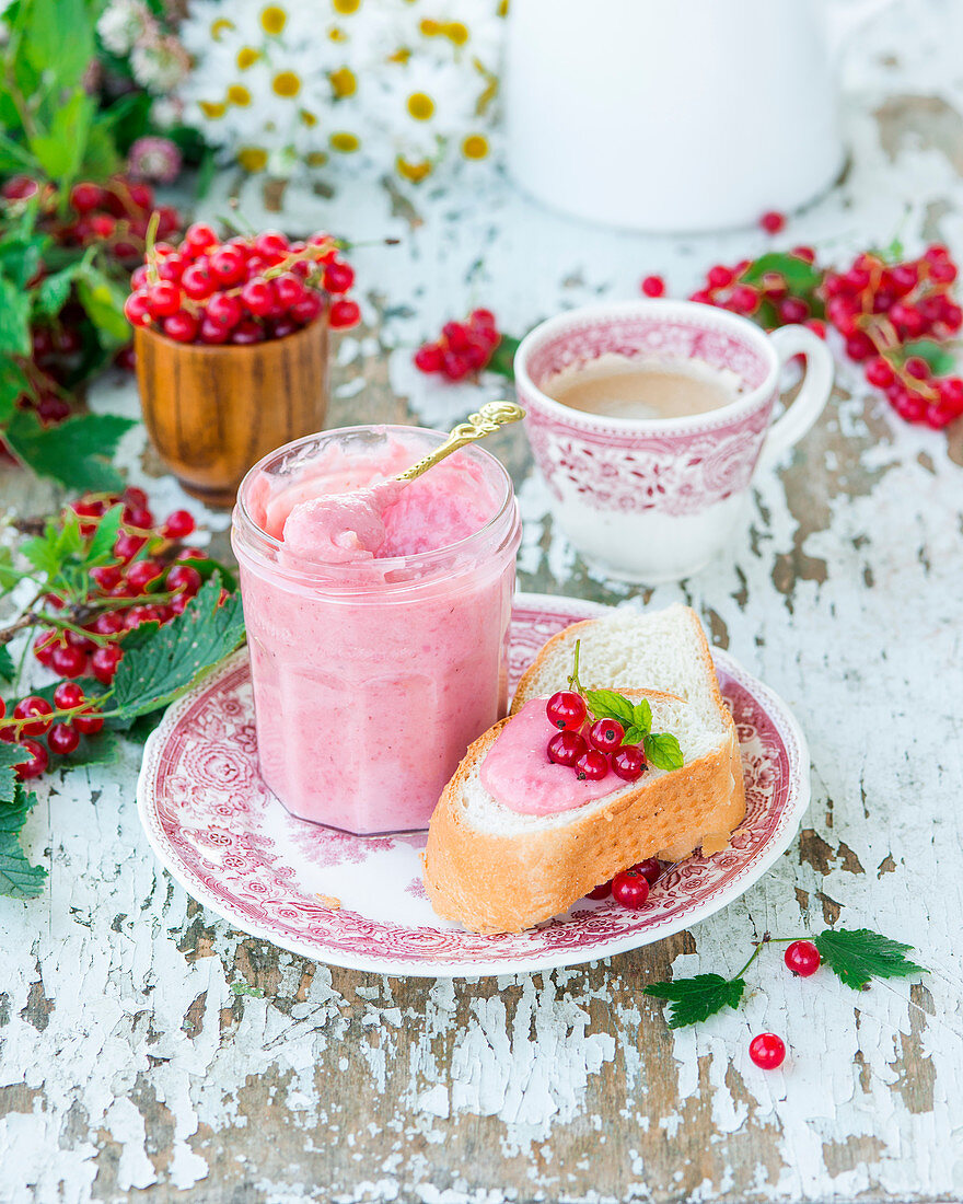 Red currant curd