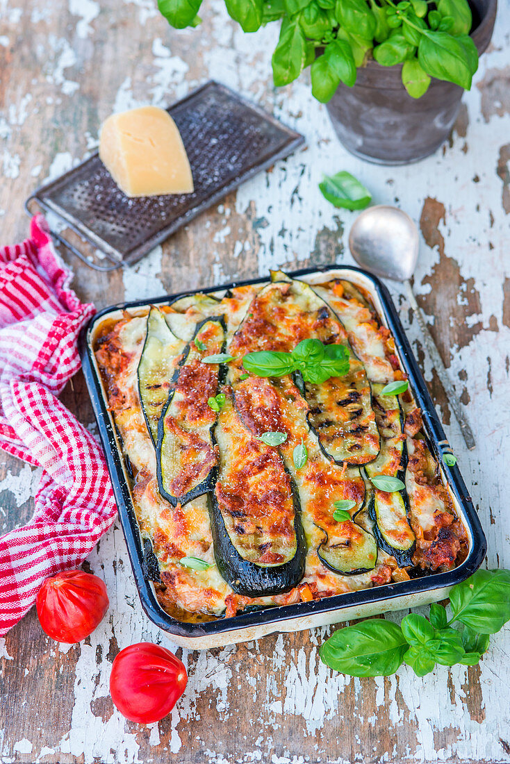 Zucchini and minced meat bake