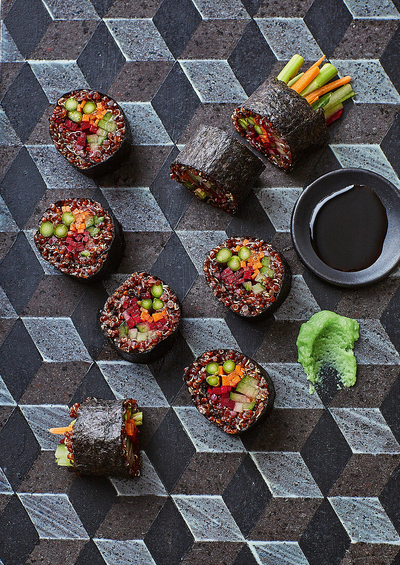 Red quinoa veggie maki