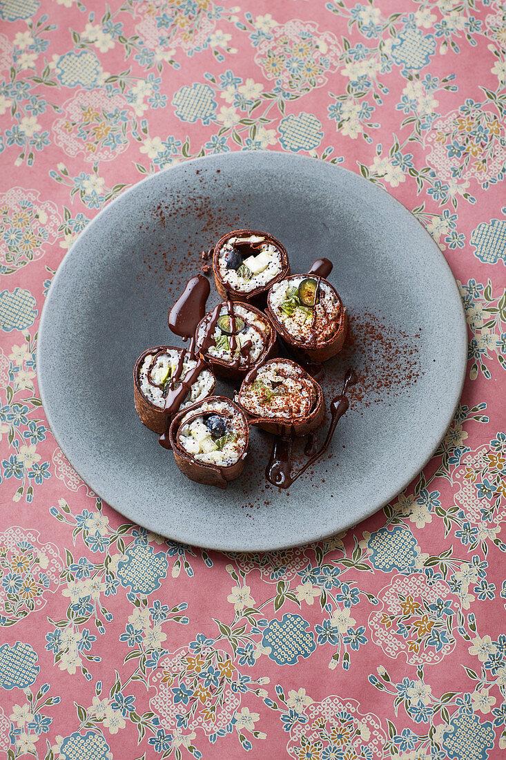 Chocolate maki with poppyseed rice