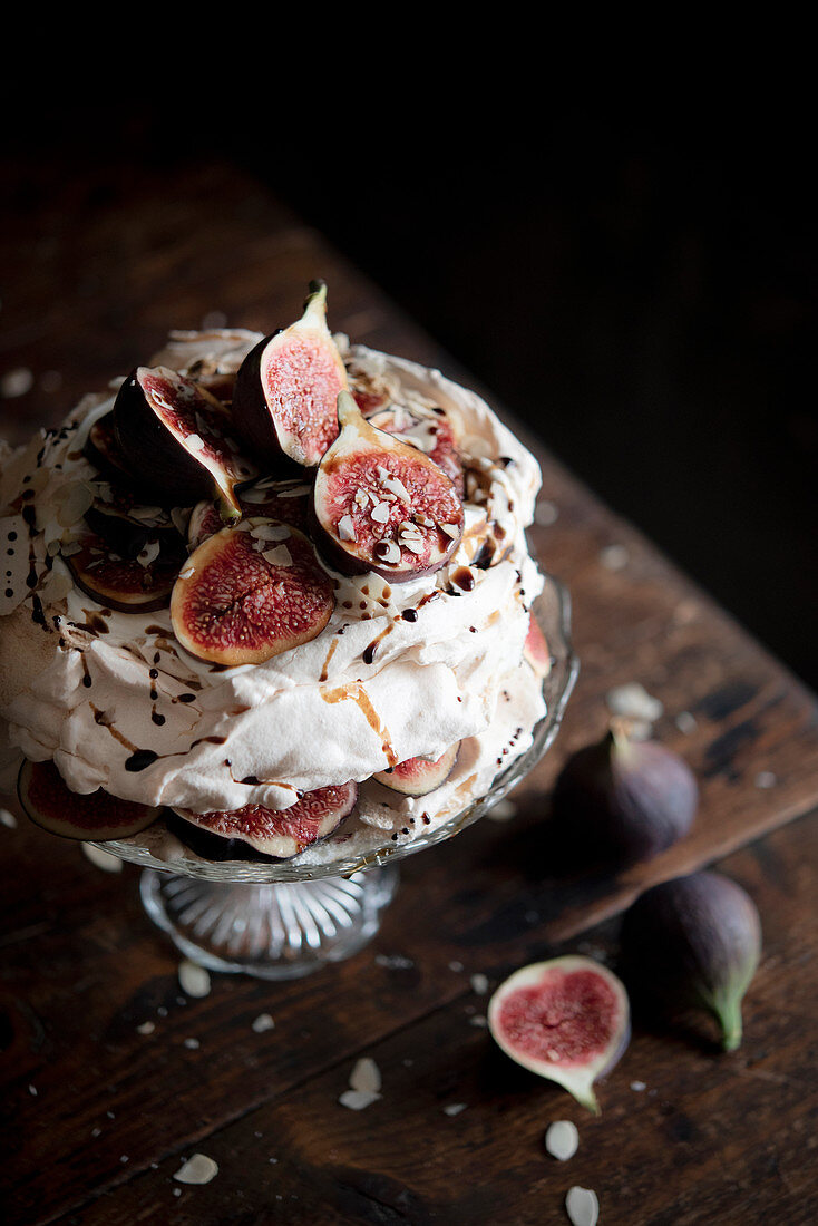A fig and almond pavlova with balsamic vinegar