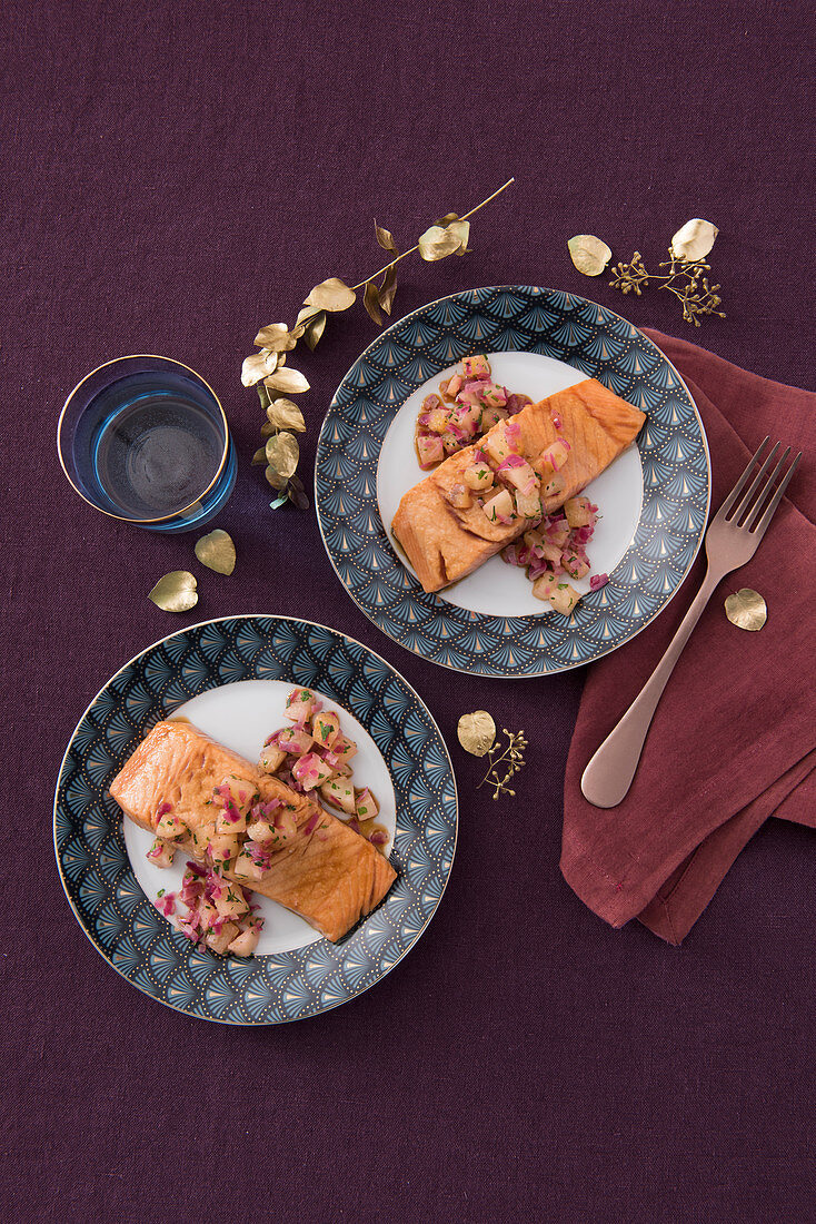 Glazed salmon with pineapple and onion compote