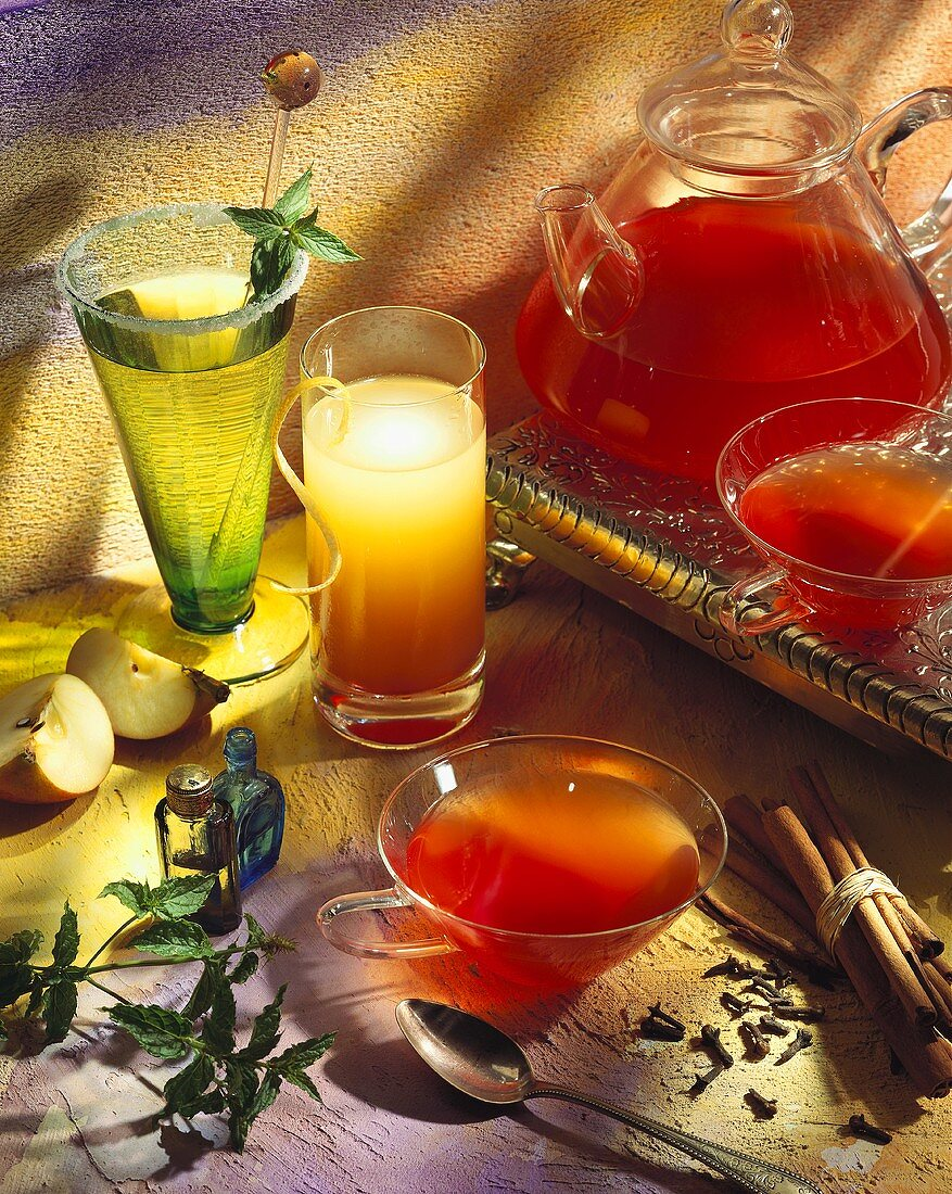 Two refreshing juices and cold fruit tea