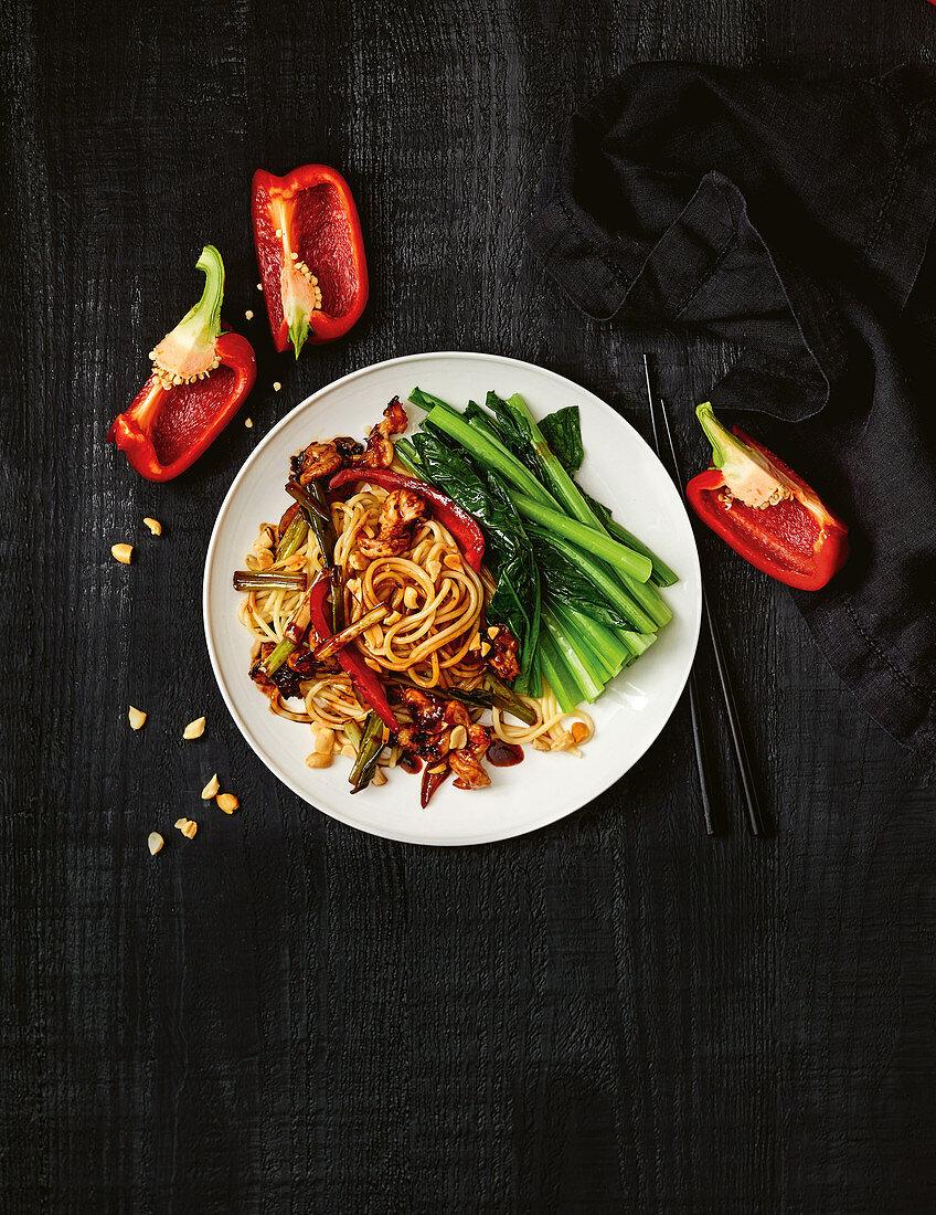 Kung pao spaghetti with prawns (China)