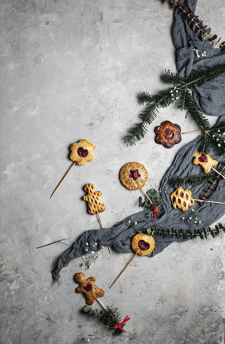 Christmassy Pie Pops, filled with chia raspberry jam