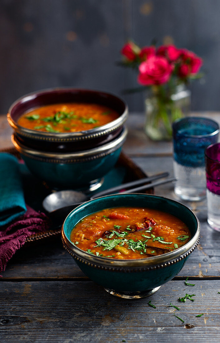 Rasam soup with tomatoes and red lentils (India)