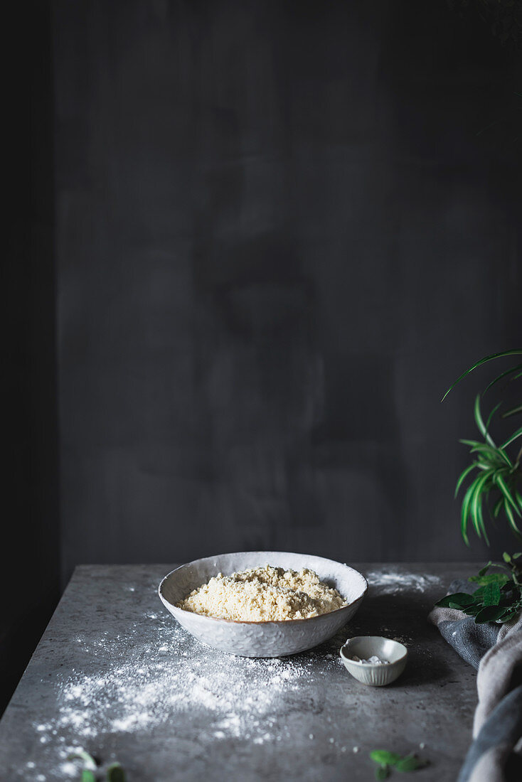 Mehl in einem Teller
