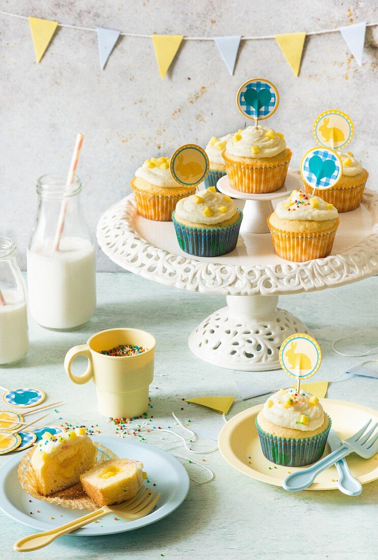 Mango and vanilla cupcakes for Easter