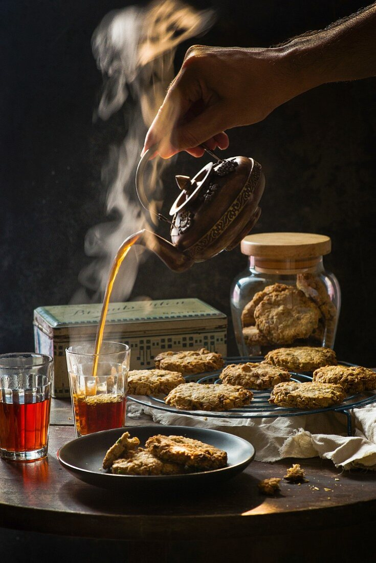 Pistachio raisins wholemeal cookies