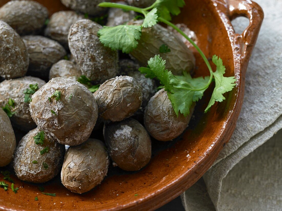 Papas Arugadas (Canary wrinkled potatoes) with coriander
