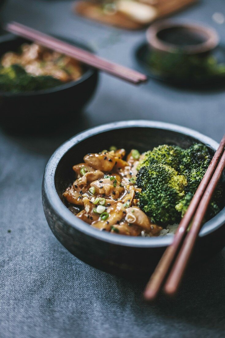 Chicken stir fry with roasted broccoli