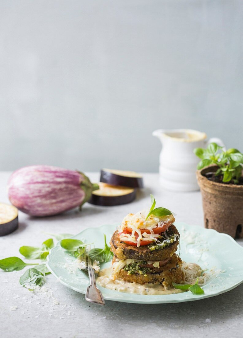 Aubergine sandwich with tomato, basil and blue cheese sauce