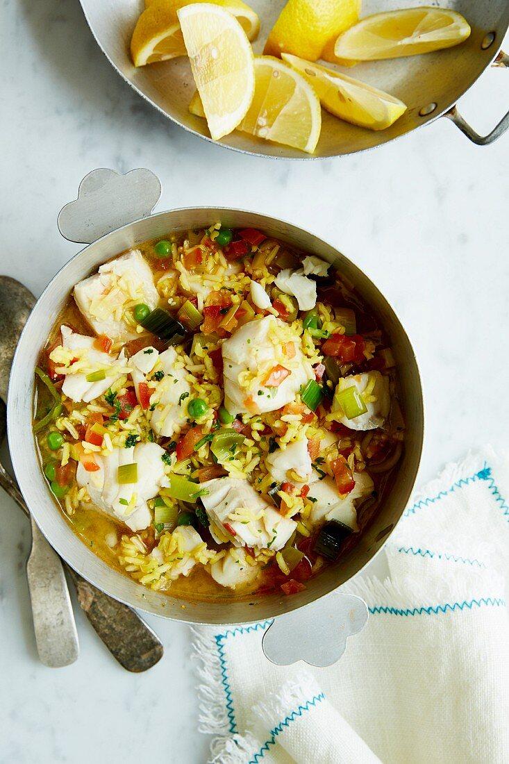 Seelachs-Reistopf mit Lauch, Tomaten und Safran (Diät)
