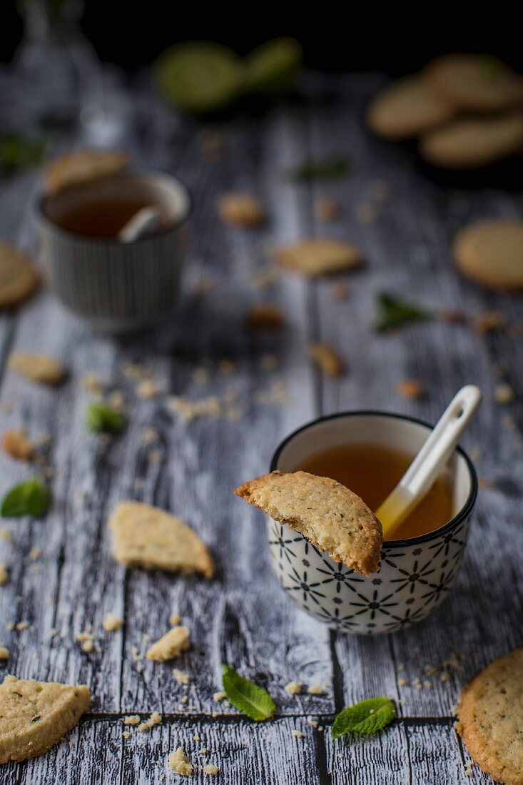 Deliciuos gluten free butter cookies, flavored with lime zest and finely chopped fresh mint