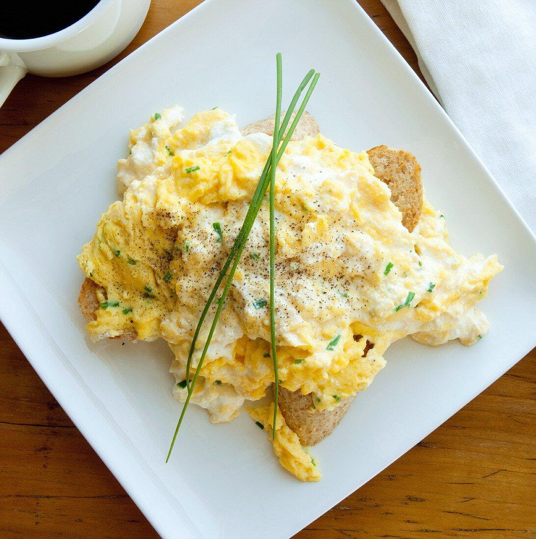 Scrambled eggs and ricotta cheese