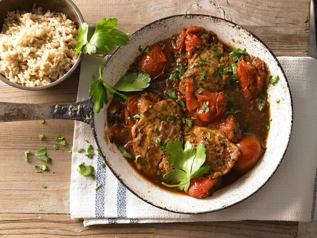 Fast chicken slices with roasted tomatoes and Marsala