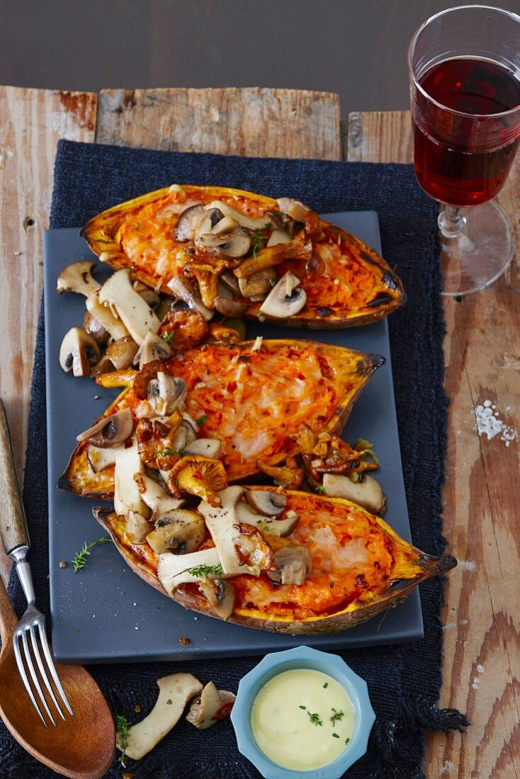 Oven baked sweet potatoes with mushrooms and aioli