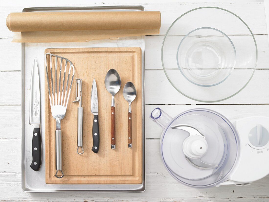 Kitchen utensils for making oven baked fish fillets with vegetables