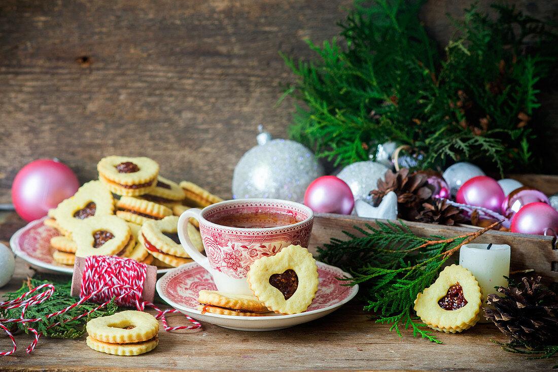 Jam sandwich cookies for Christmas
