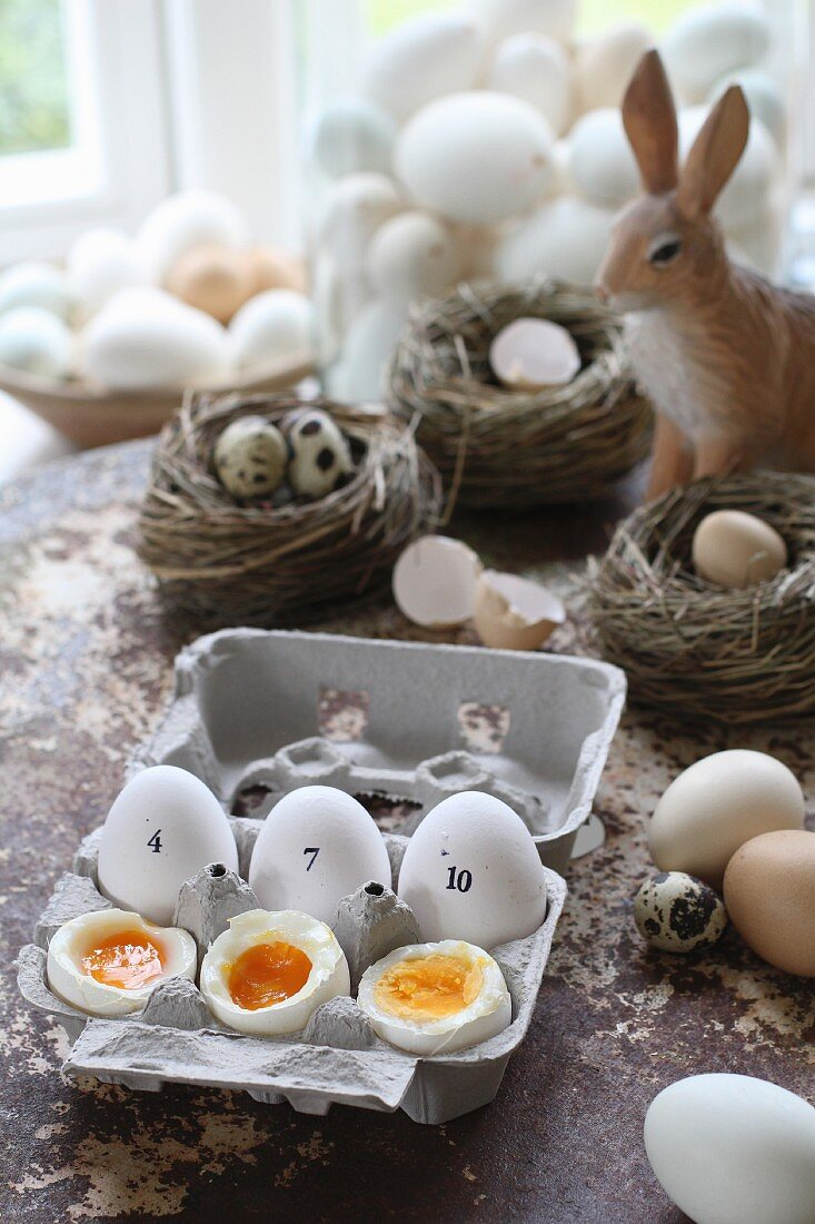Boiled eggs: 4, 7, and 10 minutes (Easter)